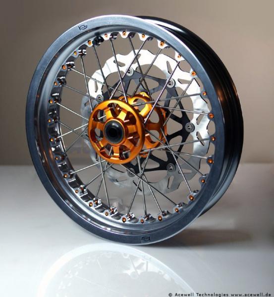 Husqvarna Nuda 900/ 900R Kineo Wheels Maxi 17