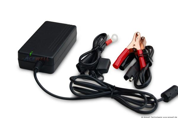 Ultracharger UB3000 Ladegerät